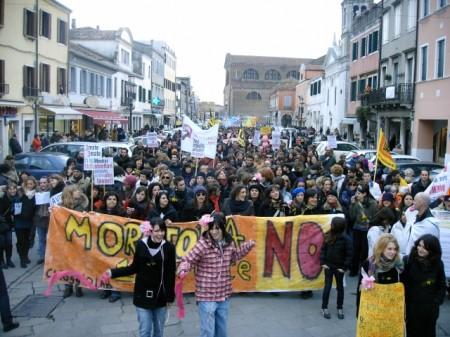DALLA MANIFESTAZIONE...ALCUNE FOTO IN ARRIVO!!